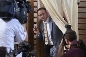 Bart De Wever (N-VA) vota a Deurne
