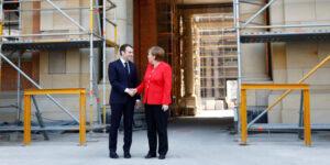 </span></figure></a> <em>Nella foto, il cancelliere federale Angela Merkel accoglie il presidente francese Emmanuel Macron nella sede del futuro Humboldt Forum a Berlino il 19 aprile 2018 REUTERS/Axel Schmidt</em>
